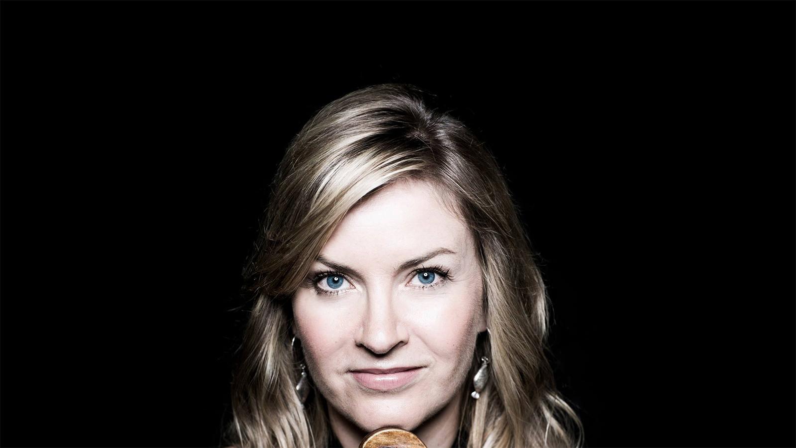 Carol Cook, viola