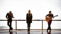 Guy Mendilow Ensemble: Around the World in Song